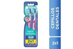 Oral B Cepillo Dental 3D White Advantage 40, Mediano (2 piezas)